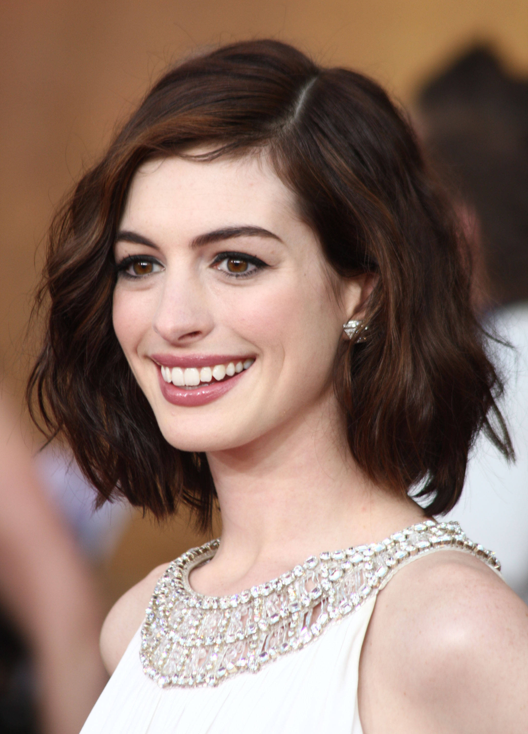 anne hathaway curly bob financeandbusiness curly sue 1991 imdb tags anne hathaway